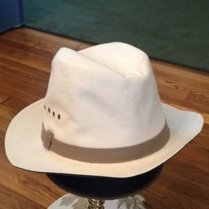 Tan canvas Abercrombie & Fitch x-large hat